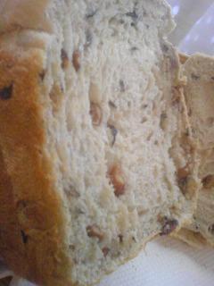 黒豆の食パン